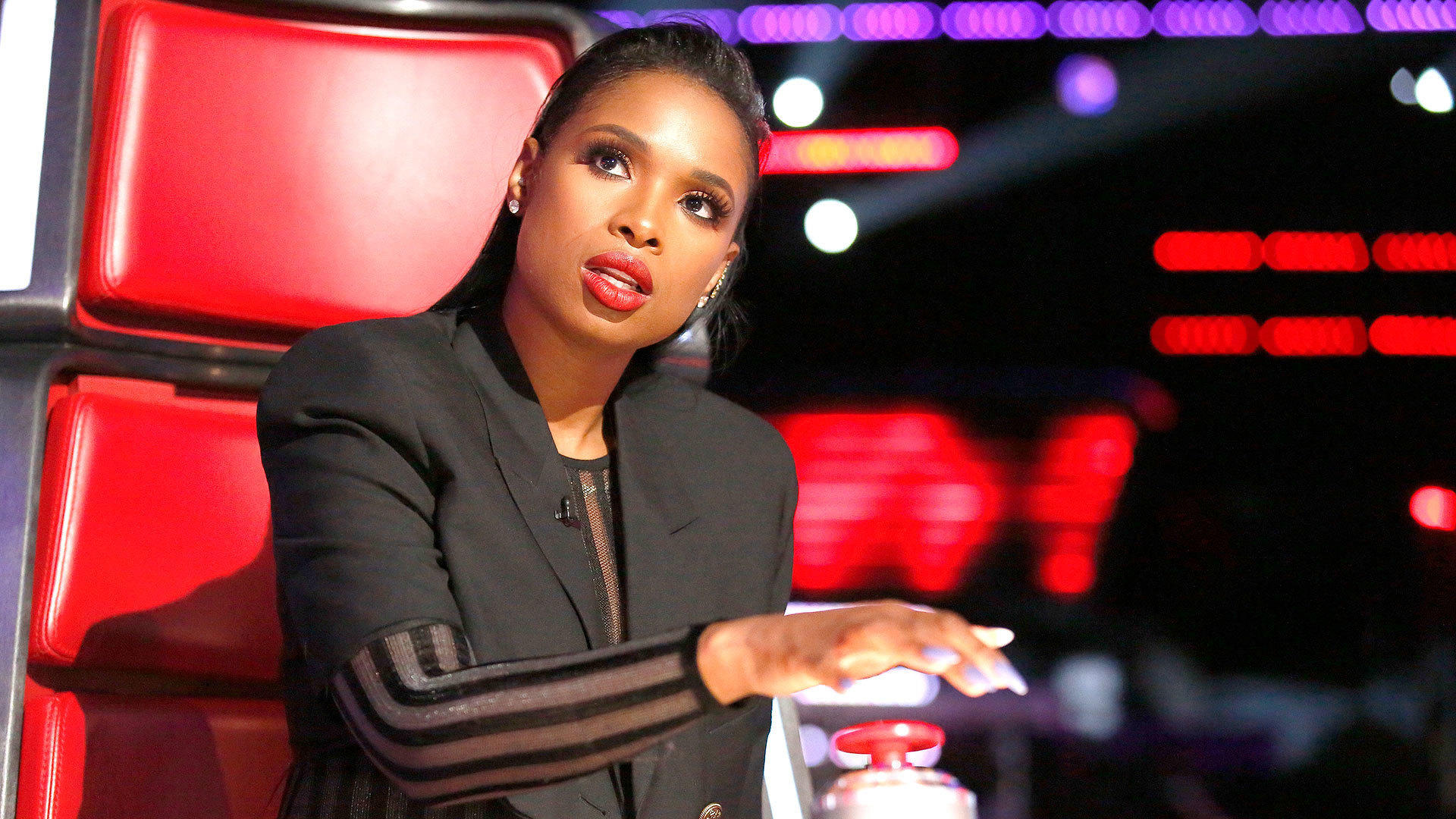 The Voice (US) (S13E07): The Battles Premiere Summary